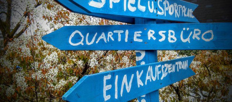 Wegweiser vor dem Quartiersbüro Unna-Königsborn Süd-Ost